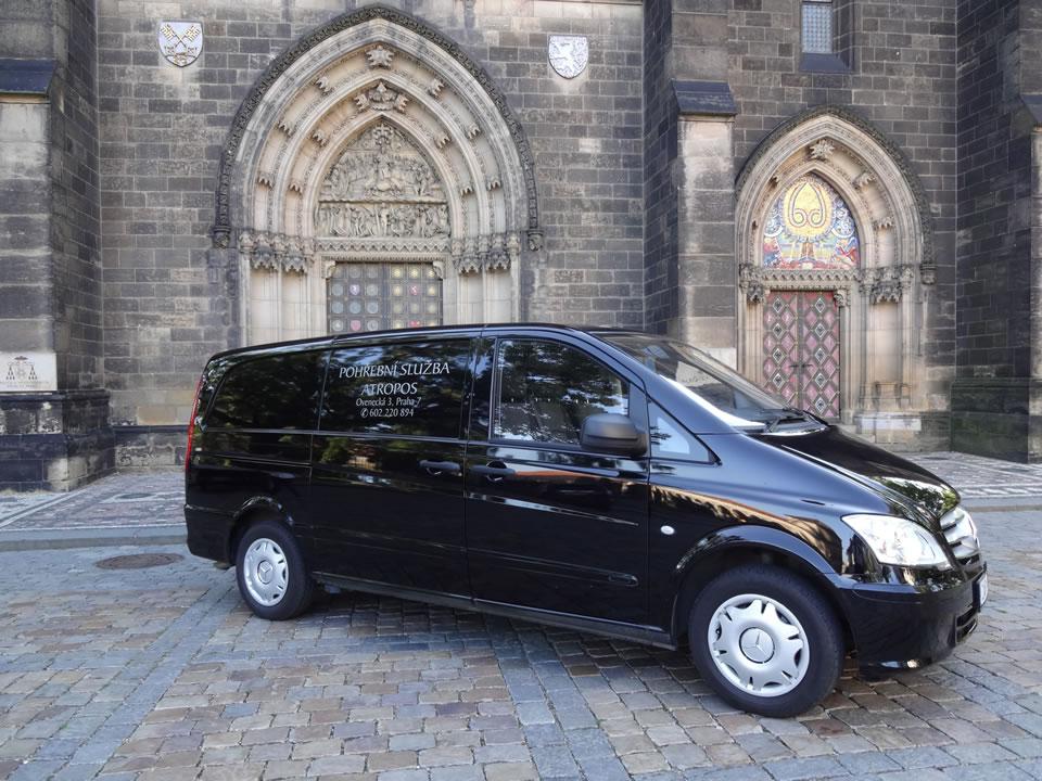 Pohřební služba Nymburk - auto 8 - Atropos