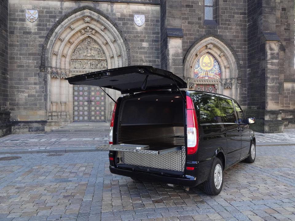 Pohřební služba Nymburk - auto 3 - Atropos